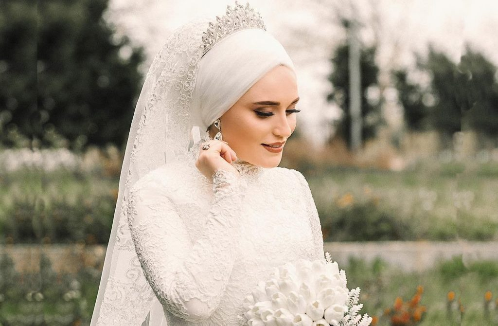 How to wear a hijab on your wedding